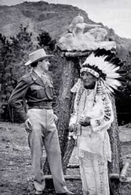 Korczak_Ziolkowski_and_Lakota_Chief_Henry_Standing_Bear,_kz_henry_48.jpg