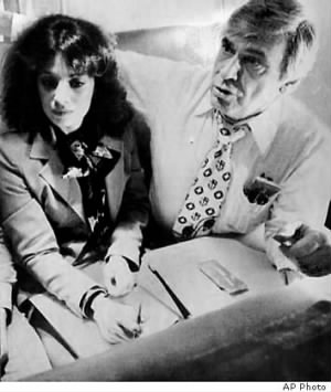 Jackie Speier and Leo Ryan on plane in 1978 AP.jpg