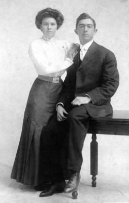 J. Frank Home Run Baker and his wife Ottilie circa 1909.jpg - Fold3.com