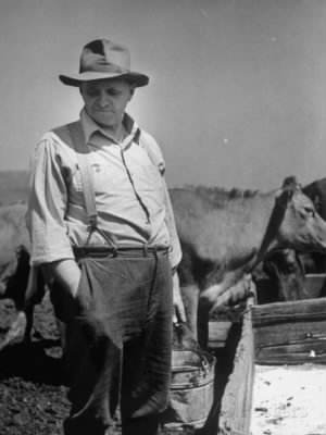 farmer-j-vivian-truman-brother-of-harry-truman-still-working-the-family-farm-in-jackson-county.jpg