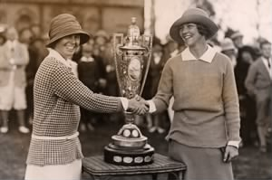 Edith Cummings (right) is congratulated by runner-up Alexa Stirling. (USGA Museum).jpg