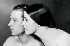 rudolph-valentino-with-his-wife-natacha-rambova.jpg