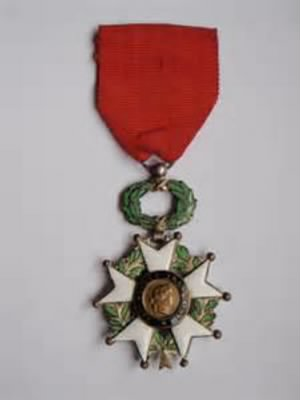 French Legion d'honneur medal (chevalier).jpg