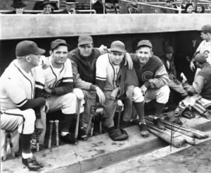 Manager Gabby Hartnett, left, in 1940 at Wrigley Field with his starting pitchers Claude Passeau, from left, Bill Lee, Larry French and Vern Olsen..jpg