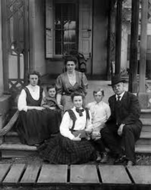 Esther, Francis, mother Frances Folsom, Marion, Richard, and former President Grover Cleveland..jpg